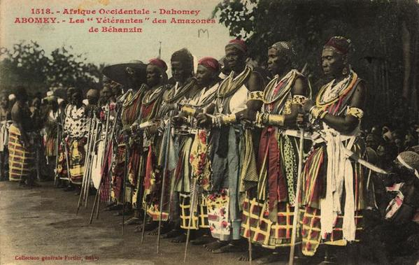 The Minos: here the veteran female warriors of Danhomey, it is the assembly of women that decided the entry into the war
