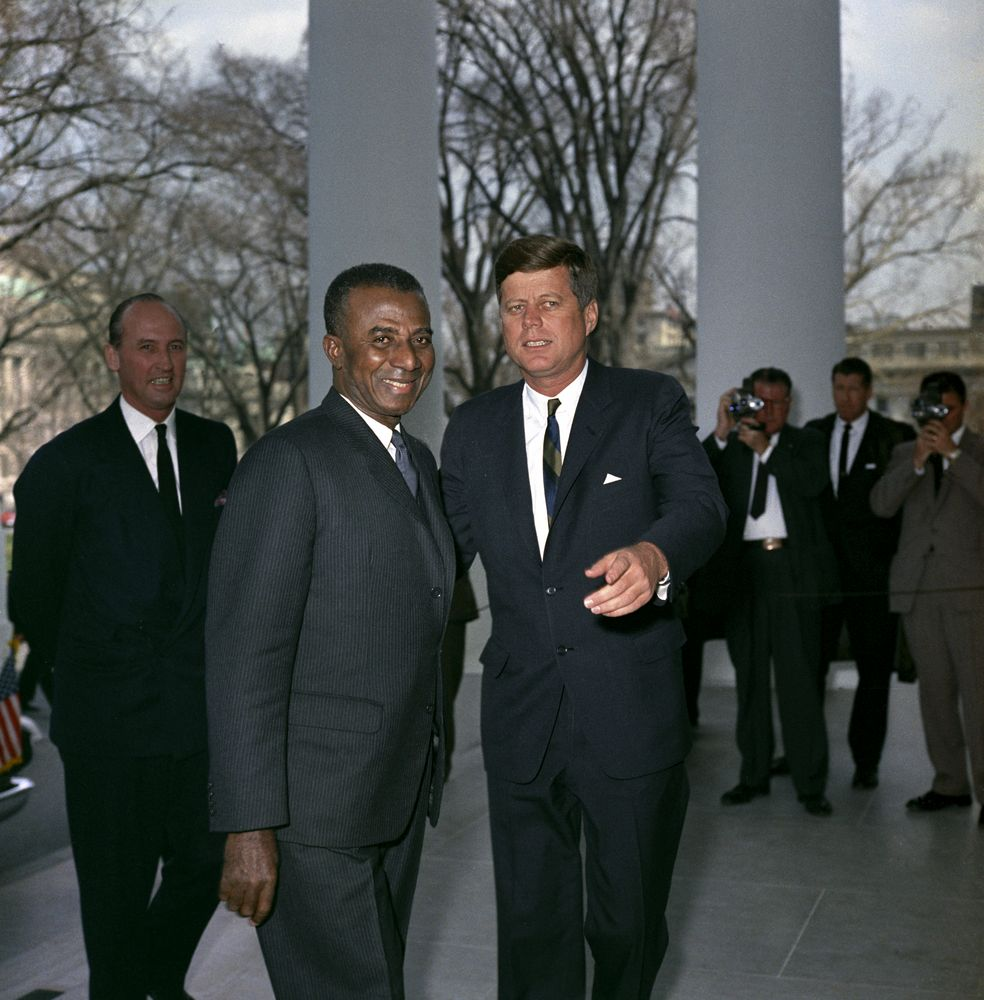Olympio et le président Kennedy à Washington Source : Librairie Kennedy de Boston